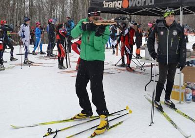 Biathlón láser en la Escuela de Esquí nórdico Somport para triatletas